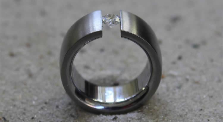 Goldschmiedehaus Beatrix Rembold - Ring mit Diamant